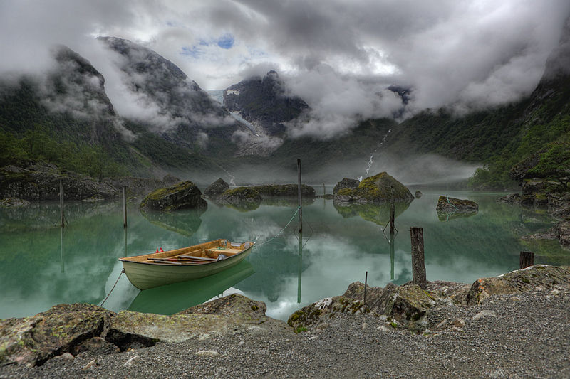 Lake Bondhus Norway, Commons Picture of the Year 2011. Canon 5D Mark II, ISO 200, f/8.0, 24–70 mm lens. Heinrich Pniok  (Alchemist-hp) Free Art License 1.3